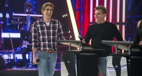 Kéfera e Luciano Huck são os convidados do Adnight Show