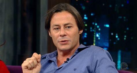 Théo Becker volta às novelas como personagem inspirado em Breaking Bad