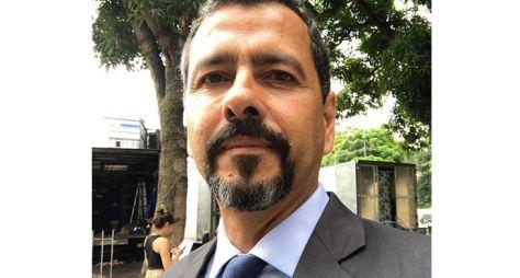 Marcos Palmeira grava filme que vai virar série