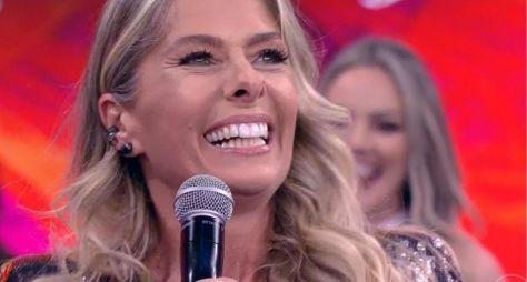 Adriane Galisteu não consegue emplacar programa na Globo