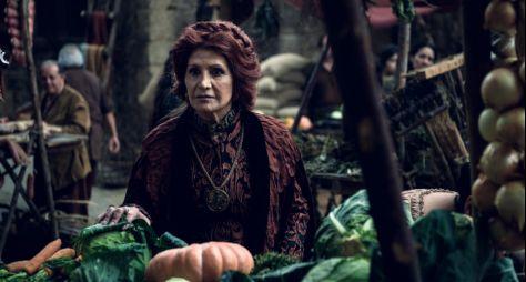 Deus Salve o Rei: Personagem de Rosamaria Murtinho morre, mas segue na trama