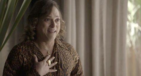 Intérprete de gay em novela, Fábio Lago vive bom momento na TV