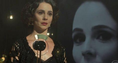 Miriam Freeland celebra retorno à Globo em Tempo de Amar