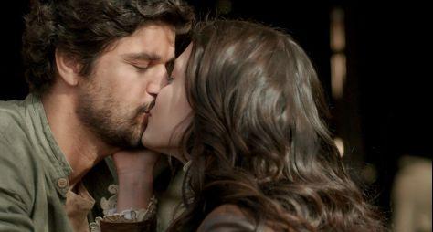 Maria Vitória beija Inácio e tem conversa franca com Vicente