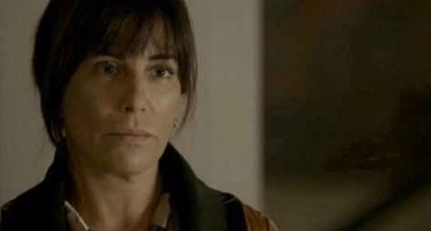 O Outro Lado do Paraíso: Alcoólatra, Beth não poderá doar rim para Adriana