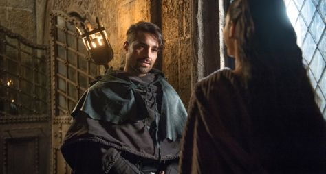 Deus Salve o Rei: A aliança de Catarina e Virgílio