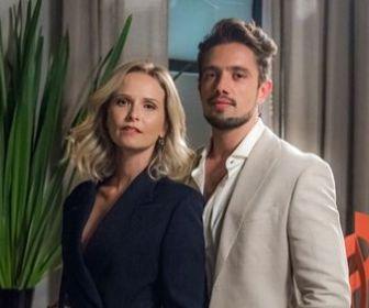 O Outro Lado do Paraíso: Renato seduz Fabiana