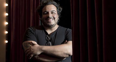 """Luís Lobianco fala sobre estreia em novela de João Emanuel : """"Sou muito fã dele"""""""