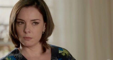 Regiane Alves comemora personagem em O Tempo Não Para