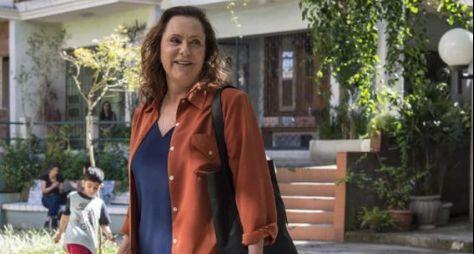 Elizabeth Savalla deve estrelar remake de Éramos Seis