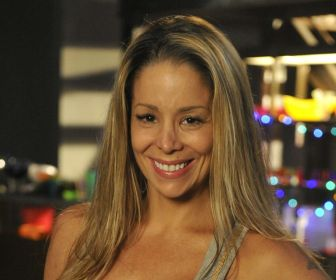 Danielle Winits é convidada para viver protagonista de minissérie da Record TV