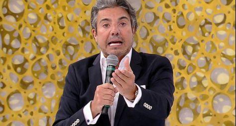 RedeTV! antecipa renovação do contrato de João Kléber