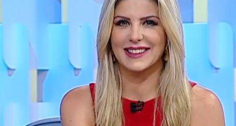 Íris Stefanelli pode ser a nova repórter do Fofocalizando