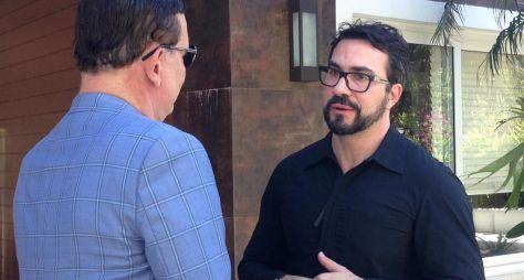 Padre Fábio de Melo fala a Roberto Cabrini sobre a síndrome do pânico