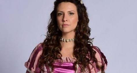 Record TV mantém Camila Rodrigues no elenco de Topíssima