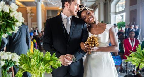 O Outro Lado do Paraíso: Emoção domina casamento de Bruno e Raquel