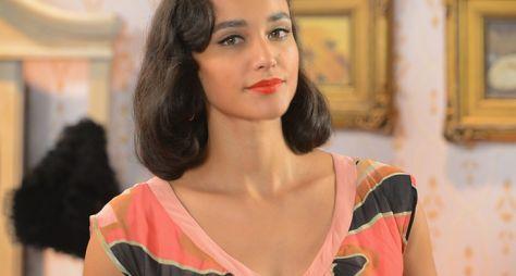 Débora Nascimento é confirmada no elenco de Verão 90 Graus