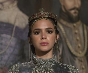 Dublê substitui Bruna Marquezine em cenas de Deus Salve o Rei