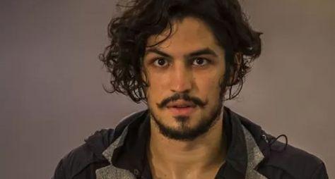 Gabriel Leone pode estrelar a novela Arroz de Palma