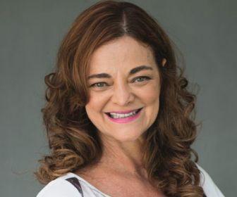 O Sétimo Guardião: Inês Peixoto será mãe de Bruna Linzmeyer e Julia Konrad