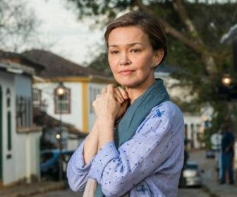 Julia Lemmertz defenderá mãe da protagonista de Espelho da Vida