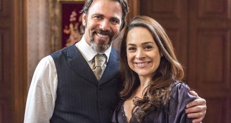 Orgulho e Paixão: Aurélio pede Julieta em casamento