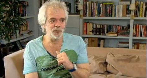 Carlos Lombardi deve voltar à Globo com apoio de Gloria Perez