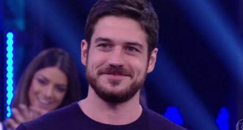 Marco Pigossi comenta saída da TV Globo e contratação pela Netflix