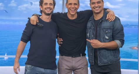 Tamanho Família: No sofá com os papais Xanddy e Felipe Andreoli