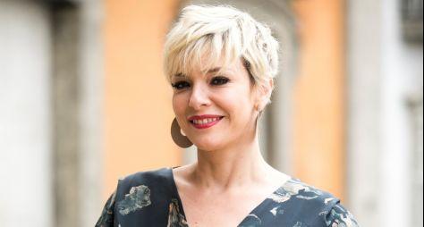Vilã de O Tempo Não Para, Regiane Alves celebra 20 anos de carreira