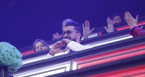 Latino é o jurado convidado do Canta Comigo