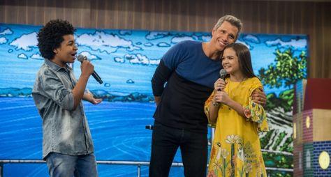 Mel Maia e JP Rufino apresentam programa o Tamanho Família