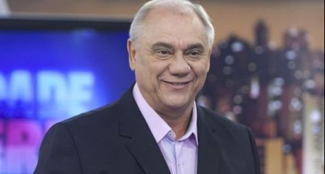 Record TV apresenta especial sobre a carreira de Marcelo Rezende