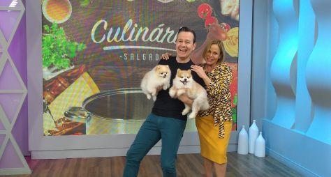 Celso Zucatelli cozinha com Claudete Troiano, na TV Aparecida