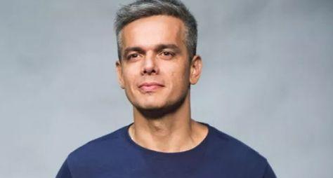 "Programa de Otaviano Costa nas tardes de sábado vai se chamar ""Tá Brincando"""