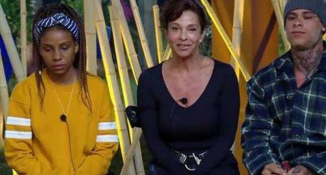 A Fazenda 10: Luane Dias, Vida Vlatt e Léo Stronda formam a primeira roça