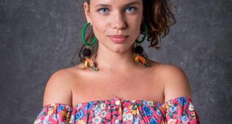Bruna Linzmeyer caracterizada para a novela O Sétimo Guardião