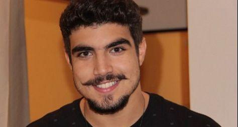 Record TV assedia Caio Castro para estrelar Gênesis