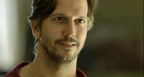 Vladimir Brichta faz mistério e diz que personagem pode voltar mais perverso