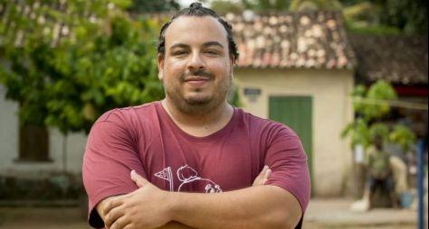 Luis Lobianco viverá nudista na série Shippados