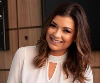 """Sou jornalista e, portanto, versátil"", diz Amanda Françozo"
