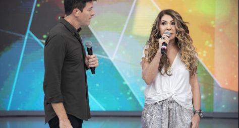 Elba Ramalho canta seus sucessos no Hora do Faro