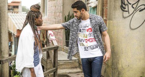 Malhação - Vidas Brasileiras: Márcio se surpreende com a chegada de Camila