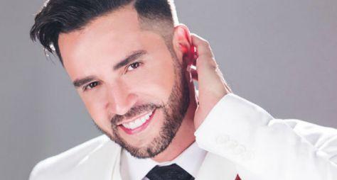 """Música na Band"" exibe show do cantor Latino"