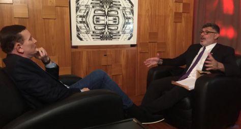 Roberto Cabrini entrevista Alexandre Frota para o Conexão Repórter