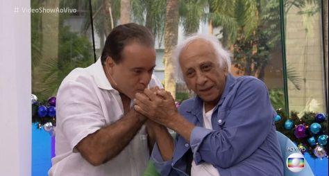 Kiko Mascarenhas e Tony Ramos prestam homenagens a Flávio Migliaccio