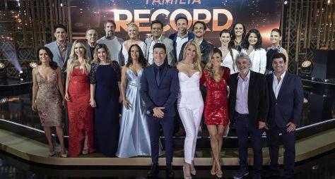 Família Record reúne estrelas da Record TV para a tradicional troca de presentes