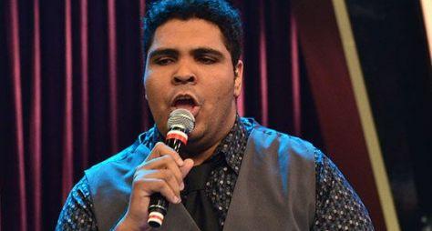 Humorista Paulo Vieira participa do Programa da Sabrina deste sábado