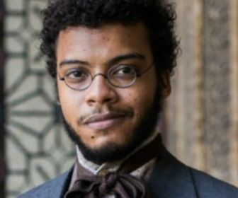 Topíssima: Felipe Silcler vai viver Zumbi em novela da Record TV