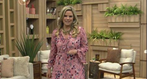 Maria Cândida anuncia sua saída da TV Aparecida